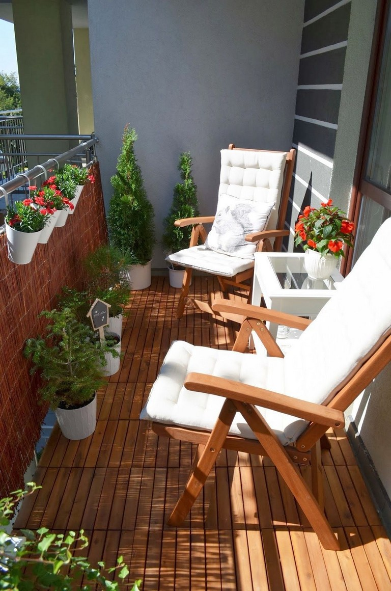 35 Stunning Apartment Balcony Decorating Ideas On A Budget ...